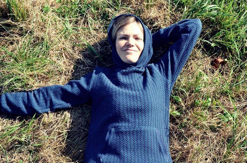 "Riley Hoodie aus Bio-Jacquard Stoff ""Flechtwerk"""