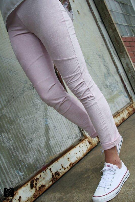 Rosa Bikerhose genäht von Sprungfaden nach dem Schnitt Cassie