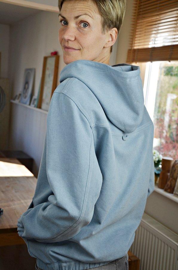 wie n ht man eine kappnaht neuer schnitt webware hoodie loma elle puls. Black Bedroom Furniture Sets. Home Design Ideas